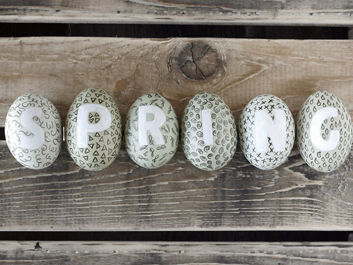 Easter tutorial – Doodling and lettering on Eggs
