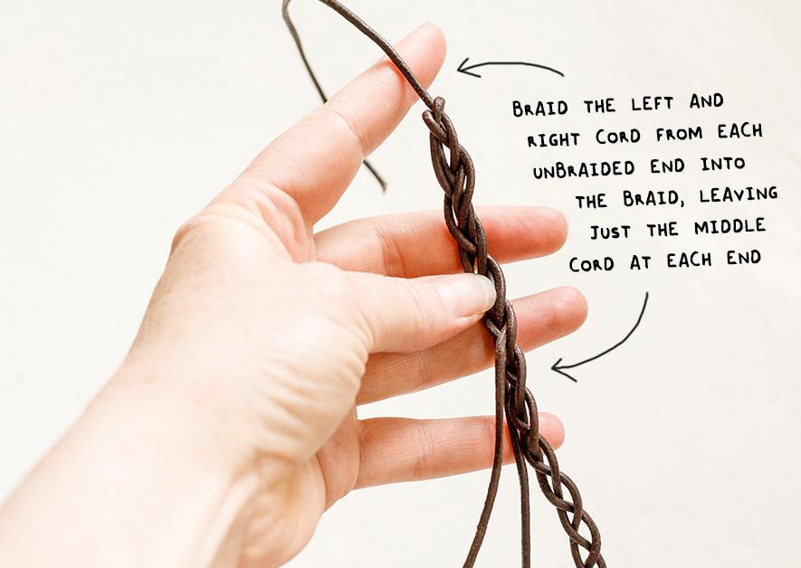 by_annika_resizeble-headband